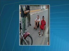Dois marceneiros são presos suspeitos de tráfico de drogas em Serra Talhada, no Sertão - Com eles, a polícia encontrou 161 gramas de maconha e R$ 420 em dinheiro.
