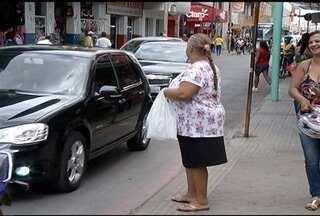 População reclama da falta de fiscalização no trânsito de Montes Claros - A falta de segurança nas faixas de pedestres é uma das reclamações da população.