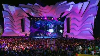 Veja como foi o último dia de Festival de Verão em Salvador - A festa foi encerrada já na manhã de domingo com show da banda Aviões do Forró.