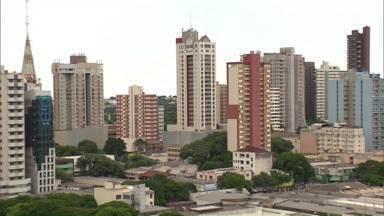 Os imóveis usados em Maringá tiveram valorização acima da inflação no ano passado - Mas os índices ficaram abaixo dos registrados em 2013, quando os imóveis estavam supervalorizados.