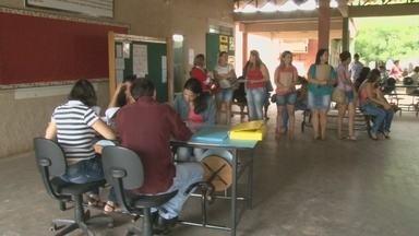 Pais enfrentam filas para matrículas nas escolas estaduais de Cacoal - Bom Dia Amazônia acompanhou primeiro dia da chamada escolar.