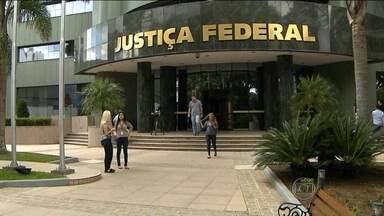 Testemunhas acusam construtoras de envolvimento no esquema de corrupção da Petrobras - Segundo a denúncia, os executivos da Camargo Correa e UTC destinaram 1% dos valores dos contratos à diretoria de Abastecimento, na época controlada por Paulo Roberto Costa. Um dos depoimentos foi de Venina Velosa da Fonseca.