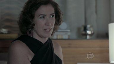 Império - Capítulo de sábado, dia 07/02/2015, na íntegra - Clara interroga a mãe sobre passado com Silviano
