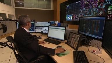 Fantástico entra na sala de controle do ONS - Essa é a primeira vez que uma equipe de TV entra na sala de controle do Operador Nacional do Sistema. O órgão monitora todo o sistema elétrico do país e detecta se há risco de falta de energia no Brasil.