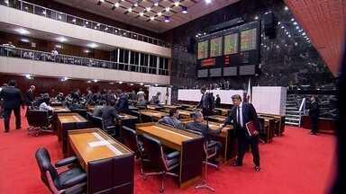 Deputados aprovam volta do auxílio-moradia - Benefício tinha sido cancelado para parlamentares que moram na Grande BH