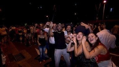 Bloco 'Chama o Síndico' agita milhares de pessoas em Belo Horizonte - Show feito na Praça da Liberdade recebeu cerca de 10 mil foliões.
