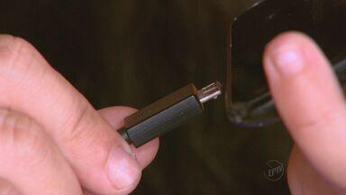 'Toque Tec' explica o que fazer para evitar aquecimento do celular - Usar carregador próprio do aparelho pode evitar problema.