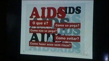 Com foco no carnaval, Itumbiara alerta sobre risco da Aids - Com a chegada do carnaval, aumenta a preocupação com a Aids em Itumbiara, Goiás.