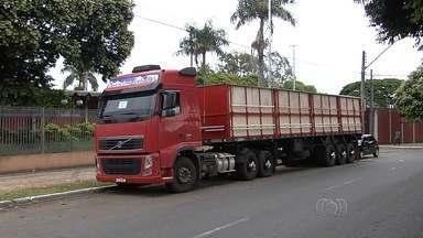 Polícia encontra em Aparecida de Goiânia um caminhão roubado no Tocantins - A polícia recuperou um caminhão que foi roubado no Tocantins. O veículo era usado em Aparecida de Goiânia.
