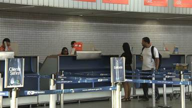 Menina de 7 anos desembarca sozinha no aeroporto de Aracaju e pai culpa empresa aérea - Menina de 7 anos desembarca sozinha no aeroporto de Aracaju e pai culpa empresa aérea.