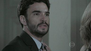 José Pedro enfrenta José Alfredo - Amanda conversa com José Pedro. Maria Clara e Cristina discutem