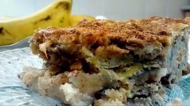 Mais Caminhos - 14/02/15 - BLOCO 2 - Bolo de Banana - No quadro Segredos da Cozinha, Fernando Kassab traz a segunda receita do especial no Lar dos Velhinhos de Campinas. A receita da vez é um Bolo de Banana, ensinado pela Olga, 80 anos. Para fazer jus à série especial de pratos ensinados pelos moradores da instituição, a receita desta semana traz história de vida e sabor para sua cozinha.