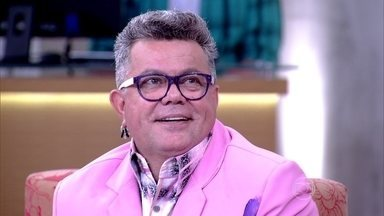 Marcos Veras imita voz e narração de Milton Cunha - 'Fácil imitar a minha voz, impossível imitar o meu glamour', comentou Milton