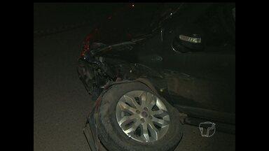 Mototaxista fica ferido e moto pega fogo após colidir com carro na PA-370 - Condutor do carro é um policial militar que fugiu após o ocorrido. Testemunhas disseram que o PM aparentava estar alcoolizado.