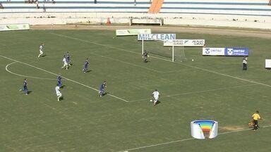Em jogo morno, Taubaté e São José empatam no clássico do Vale pela A3 - Equipes pouco criam no Joaquinzão e ficam no 1 a 1 neste domingo. Burro da Central sai na frente, mas leva empate da Águia no fim do primeiro tempo.