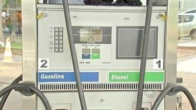 Motoristas têm medo de trocar a gasolina pelo etanol - Tecnologia que tem mais de 10 anos, veículo com motor flex é alternativa para economizar