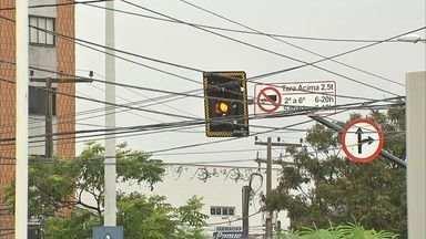 Semáforos estão com defeito nesta segunda-feira em Fortaleza - 'Apagão' de equipamentos completa uma semana. AMC fará nova licitação para serviço de manutenção.