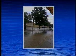 Moradores enviam vídeos da chuva que ocorreu em Caruaru no fim de semana - Em algumas ruas da cidade houve alagamentos.
