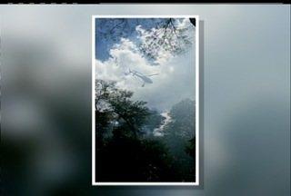 Incêndio é controlado em Parque Ecológico de Campos, RJ - Assessoria dos Bombeiros informou que o momento é de observação.Helicópteros estão sobrevoando a área a fim de localizar pontos de fumaça.