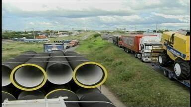 Transportadoras e caminhoneiros da Fronteira Oeste aderiram ao protesto - Manifestação acontece perto do Porto Seco em Uruguaiana, RS.