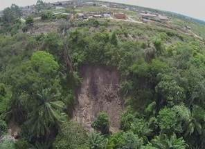 Construções irregulares afetam nascente do Rio Mundaú em Garanhuns - Devido a casas construídas em parte da área preservada, desmoronamento atingiu um olho d'água.