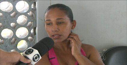 Mulher foi assaltada em parada de ônibus, em João Pessoa - Motociclista perseguiu e prendeu o assaltante.