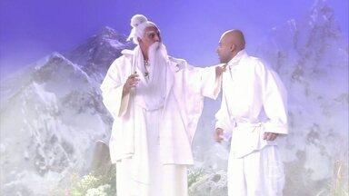 A vida não está fácil nem para o mestre da montanha - Gafanhoto diz que encontrou um novo líder