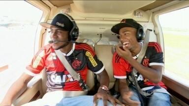 Artilheiro do Flamengo, Marcelo Cirino conhece pontos turísticos do Rio de Janeiro - Atacante já caiu nas graças da torcida rubro-negra.