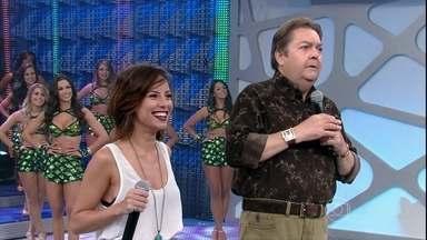 Andreia defende a personagem no palco do Domingão - Plateia acusou Maria Clara de roubar o namorado da irmã