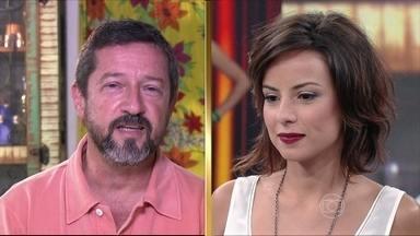 O pai de Andrea Horta lembra o início da carreira da filha - Atriz aproveitou para dar parabéns ao vivo para o pai que faz aniversário neste domingo