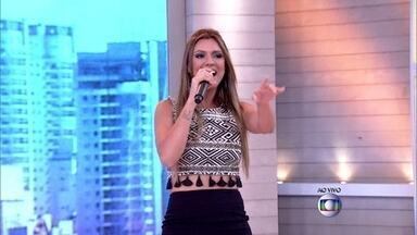 Vina Calmon interpreta 'O Canto da Cidade' - Vocalista da banda Cheiro de Amor arrasa nos vocais