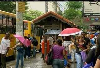 Moradores de Nova Friburgo, RJ, estão insastisfeitos com aumento da passagem - Qualidade do serviço também é alvo de reclamações.