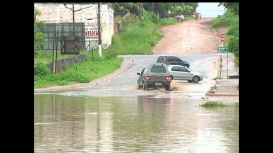 Chuva causa transtornos nas ruas de Santarém - Algumas ruas ficam intrafegáveis por conta das péssimas condições que ficam quando chove.