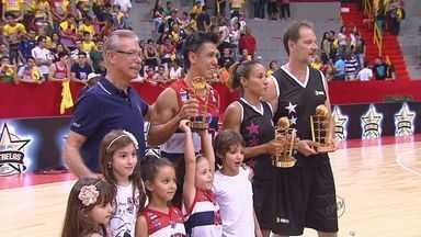 Jogo das estrelas reúne atletas do NBB em Franca, SP - Festa do basquete começou na sexta (6) e muitos prêmios ficaram com jogadores da cidade.