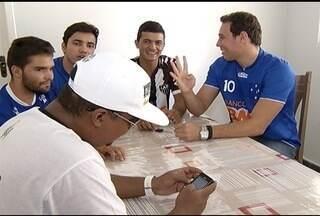 Expectativa de cruzeirenses e atleticanos é grande para o clássico no domingo (8) - Cada torcedor confiante na vitória do seu time do coração.