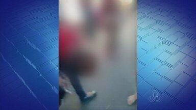Após confusão, polícia alerta para brigas em escolas - Briga entre duas meninas em unidade na Zona Oeste chamou atenção de autoridades.