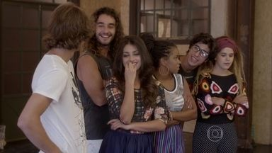 O vídeo de Pedro faz sucesso na internet - A gravação vira polêmica na Ribalta