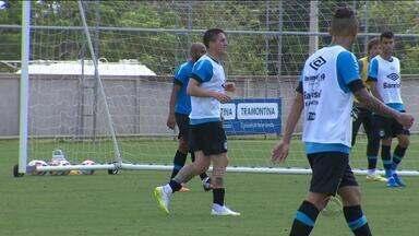 Grêmio enfrenta o Cruzeiro às 18h30 na Arena - Tricolor pode ter a estreia de Cristian Rodríguez.