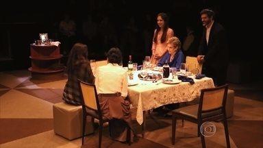 Atriz Suzana Faini fala sobre espetáculo 'Silêncio' - Peça teatral está em cartaz em Belo Horizonte.