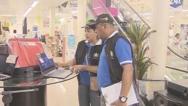 Procon realiza mobilização para consumidores conhecerem os direitos - Procon realiza mobilização para consumidores conhecerem direitos
