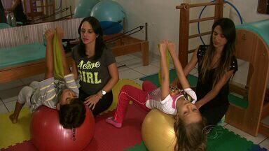Pilates tem atraído crianças em Maceió - Atividade física serve para crianças que têm muita energia para gastar, hiperatividade ou até mesmo algum problema de postura.