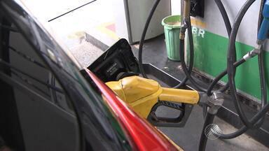 Gasolina terá mais etanol a partir desta segunda-feira (16) - Um engenheiro mecânico dá dicas de como economizar.