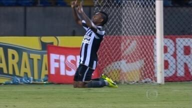 Artilharia pesada: Botafogo cria muitas chances e bate Resende por 3 a 0 pelo Carioca - Tássio estreia no time titular com gol. Jobson e Pimpão completam o placar.