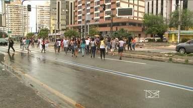 Pedestres reclamam do número insuficiente de faixas nas ruas de São Luís - A Secretaria de Trânsito e Transportes de São Luis informou que intensificou as campanhas de educação para o trânsito.