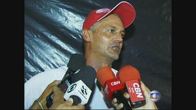Lisca vence mais uma no comando do Náutico: dessa vez, Serra Talhada, no Sertão, por 2 a 0 - Já são três jogos, duas vitórias e um empate do treinador gaúcho à frente dos alvirrubros