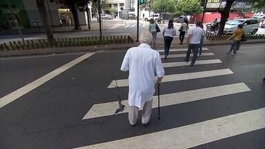 Idosos são principais vítimas do trânsito de Belo Horizonte - Eles representam 25% do total de acidentados, de acordo com a Secretaria Municipal de Saúde.