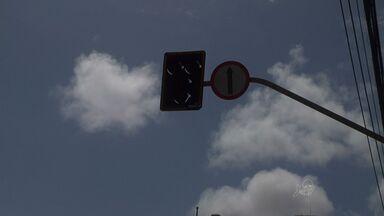 Semáforos seguem sem funcionar em Fortaleza - Motoristas reclamam de insegurança no trânsito.