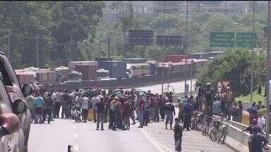 Moradores de Cubatão protestam contra desemprego - Eles já haviam realizado uma manifestação na última semana