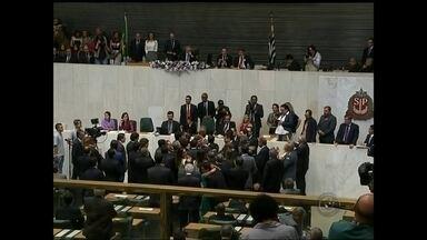 Nove deputados estaduais do noroeste paulista tomam posse dos cargos em São Paulo - Os deputados estaduais eleitos em outubro do ano passado tomaram posse no fim de semana. Nove são da região noroeste paulista.