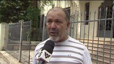 Professores da rede Estadual fazem protesto na Baixada Santista - Cerca de 20% da classe está sem trabalhar